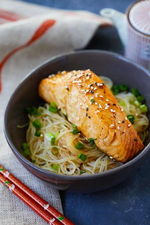 Teriyaki Salmon with Chinese Noodles 400G